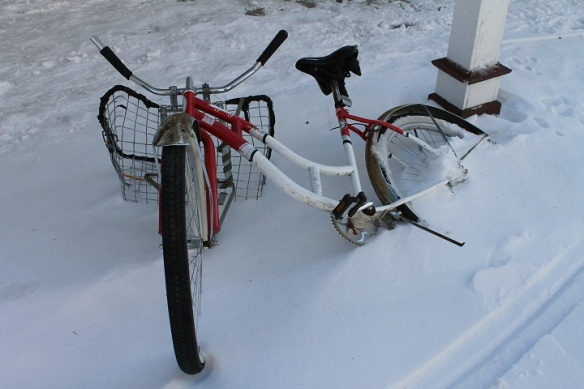 . . . . this bike looks like it was left on the street the night before the snow hit!