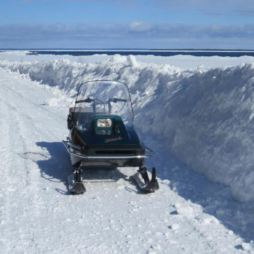Wow!  The snowdrifts are pretty darn high in some places!