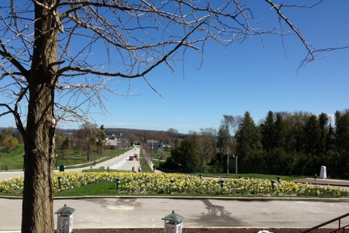 What could be better - a beautiful day on Mackinac Island, a delicious ice cream cone to be enjoyed as I walk up the hill (thereby burning all the calories in the aforementioned ice cream cone)!