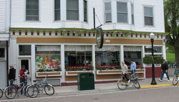 Doud's Market, a beautiful little grocery store. It is the oldest family-owned grocery store in the U.S., dating from 1884.