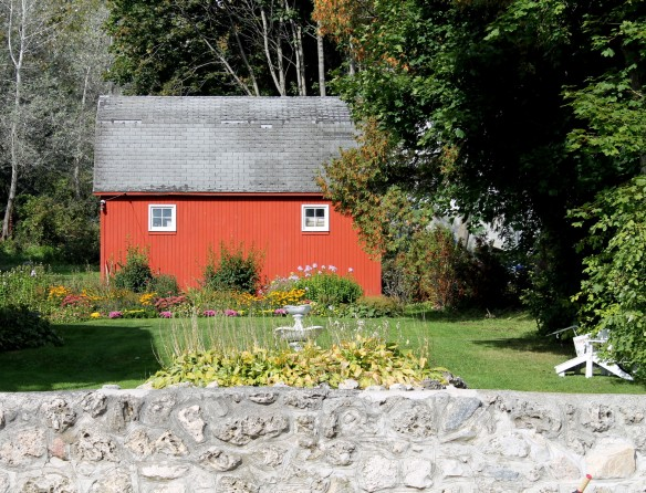 I've always loved this old red barn that sits behind one of those private homes -