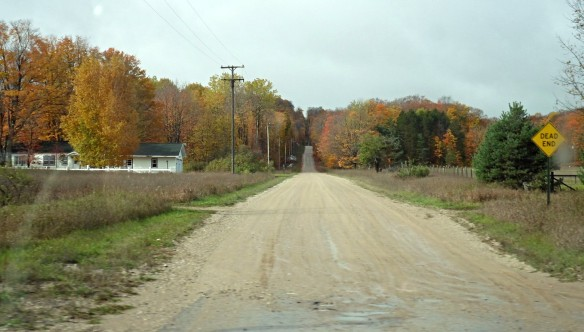 I wish we'd had time to turn down this dirt road and explore.