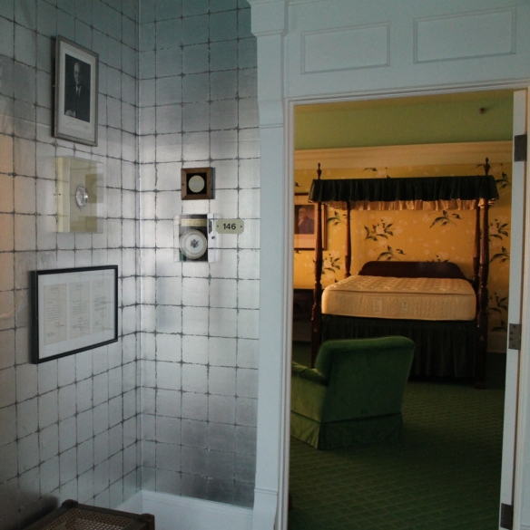 . . . and looking from a bathroom into the other one (at the opposite end of the living room).