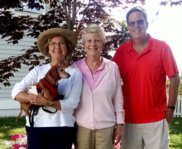 Jan and Don Weir dropped by the condo to say hello one afternoon. They are blog readers who had come over on a day trip from Harbor Springs (their summer home) They spend their winters in Indianapolis.